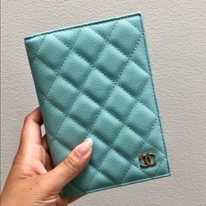 {Chanel} 19C Caviar Tiffany Blue Passport Holder